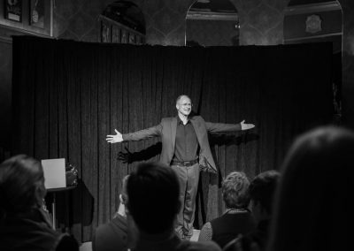 Zaubershow Stand up Magie Markus Teubert Leipzig